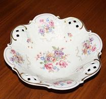 Porslin - Import - Sirlig skål med blomdekor