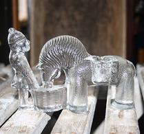Boda - Glas - Figur - Häst - Ljusstake