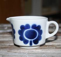 Arabia - Porslin - Gräddsnäcka - Blå blomma