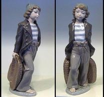 Lladro - Figurin - Pojke med korgar