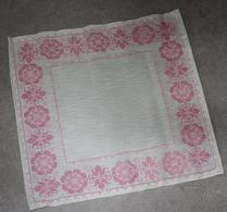 Textil - Broderi - Korsstygn - Duk