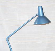 Industridesign - Bordslampa - Arbetsbelysning -Industrimodell