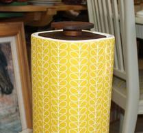 Orla Kiely - Porslin - Burk med trälock - Linear stem yellow - 3,5L