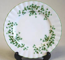 Royal Albert - Porslin -  Shamrock - Assiett