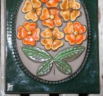 Jie - Keramik - Väggtavla - Relieff