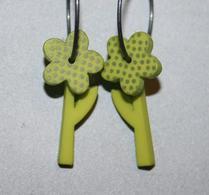K-form - Örhänge - Blomma